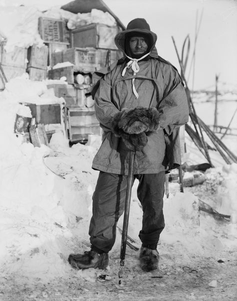 petty officer edgar evans leaning ice axe