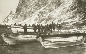Pulling up the boats below the cliffs of Elephant Island