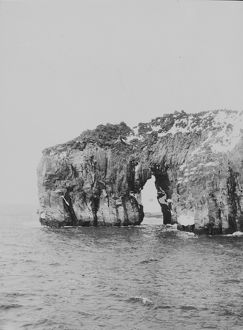 Scott Island. Rock formation