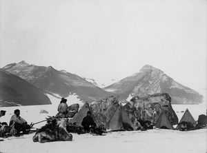 british national antarctic expedition 1901 04/christmas day camp large boulders