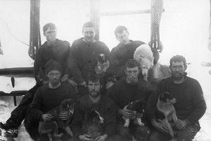 british national antarctic expedition 1901 04/crew members ship discovery deckthe mess no4