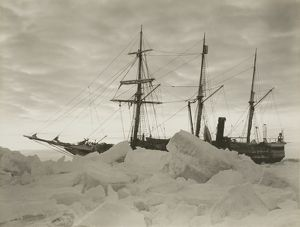 imperial trans antarctic expedition 1914 17/dawn close winter