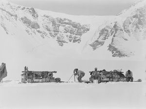 british antarctic expedition 1910 13 terra nova/george murray levick/expedition team taking lunch halt