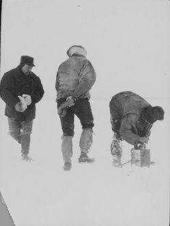 antarctic relief expeditions 1902 04/firing