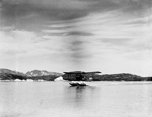 british arctic air route expedition 1930 31/moth taking off floats base