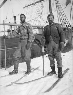 scottish national antarctic expedition 1902 04/unidentified expedition members skis